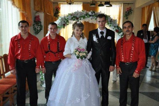 Весілля  Вітусі  та  Колі